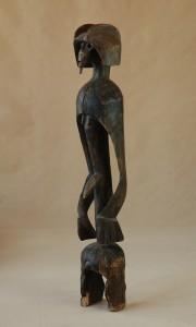 Mumuye/Nigeria -  Rzeźba, drewno, ciemnobrązowa patyna, wys.110 cm