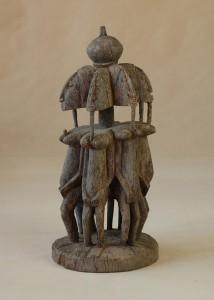 Dogon/Mali - Grupa postaci kobiecych, drewno, szara patyna, wys 64 cm.