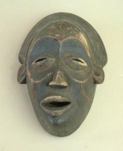 Tchokwe/Angola - Maska, drewno, ciemnobrązowa patyna, wys.28 cm